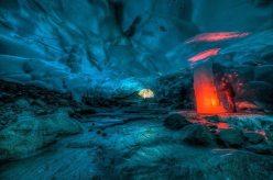 alaskan-ice-cave-09