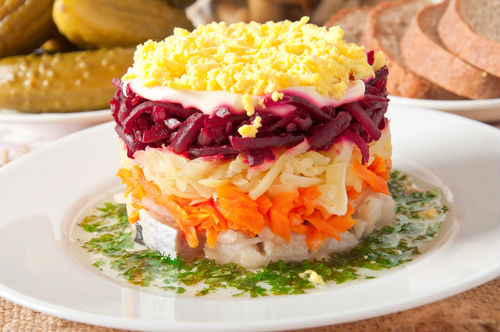 Ρώσικη σαλάτα με ρέγκα«Shuba»
