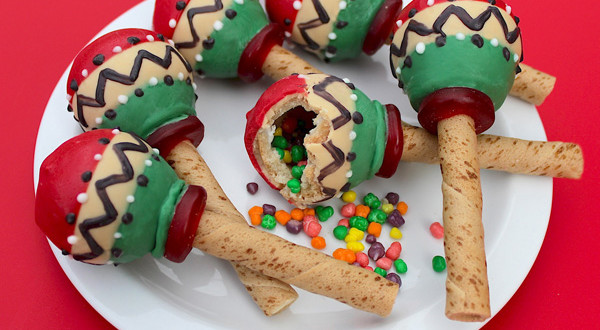 candy-filled-maraca-cookies-hero-600x330.jpg