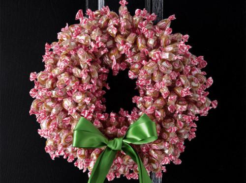 fnm_120109-wreaths-003_s4x3_lg.jpg