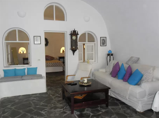 traditional-cave-houses-santorini-interior-design