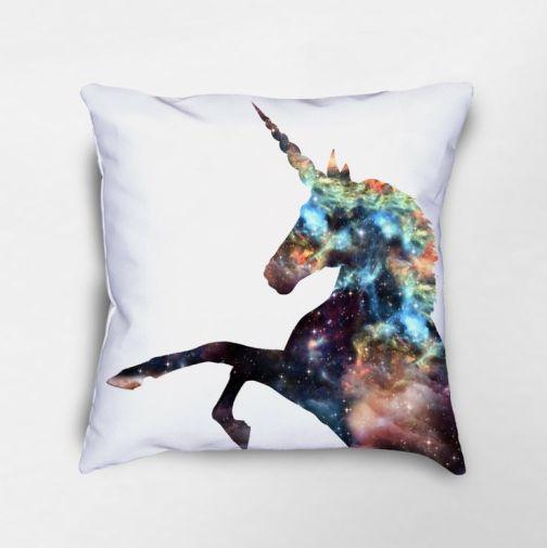 bf11b8684a54ecf5394ec79f52d584cb--unicorn-decor-unicorn-gifts.jpg