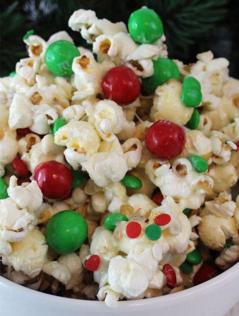 santa-crunch-christmas-popcorn2.jpg