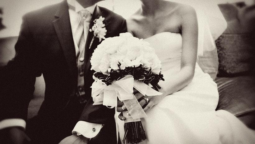 Γιατί η νύφη κρατάειανθοδέσμη;