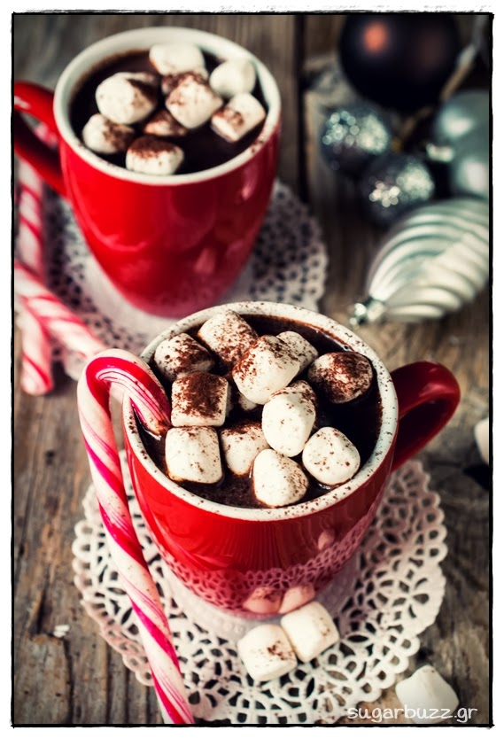 Χριστουγεννίατικη Ζεστή Σοκολάτα Με Λικέρ ΚαιMarshmallows