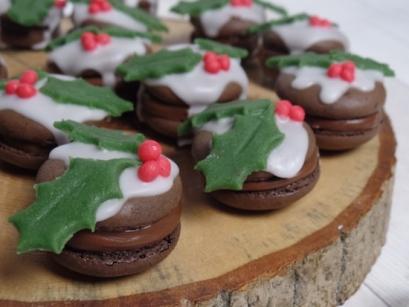 Christmas-Pud-Macarons.JPG