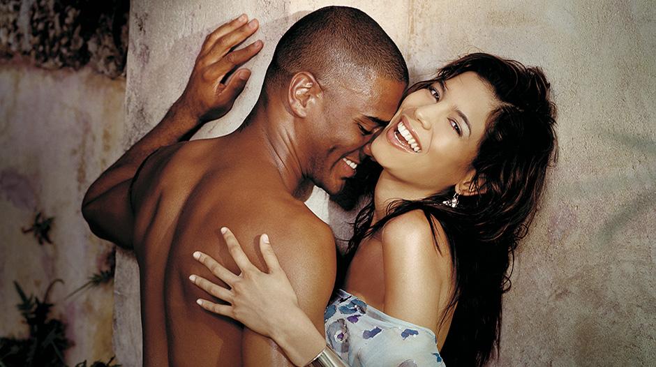 Έρευνα αποκαλύπτει ποιοι τύποι αντρών προτιμούν το μεγάλο στήθος και ποιοι τομικρό