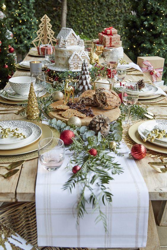 Ο μικρός, αργός «θάνατος» των χριστουγεννιάτικων πάρτι και η νέα συνήθεια που παίρνει τη θέσητους
