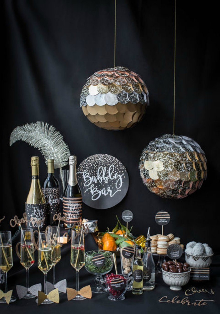 gallery-1507234628-new-years-eve-bubbly-bar.jpg