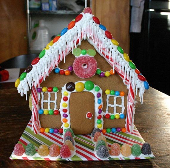 gingerbread houses (2)_thumb[2].jpg