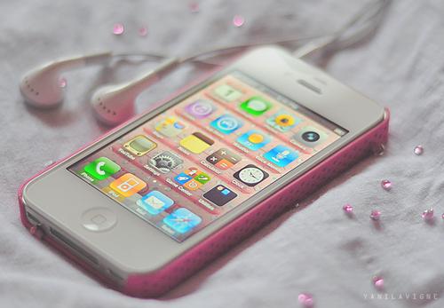 Ερευνητές δίνουν ελπίδα στους καταστροφείς κινητών: Γυαλί που κολλάει μόνοτου!