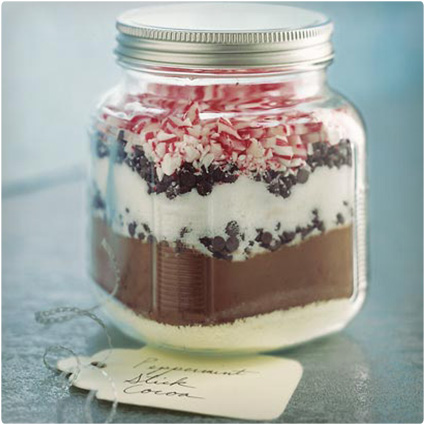 Peppermint-Stick-Cocoa-in-a-Jar.jpg
