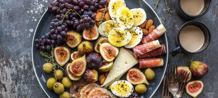 4 τροφές που μπορείς να τρως κάθε μέρα χωρίς να παίρνεις θερμίδες σύμφωνα με personaltrainer