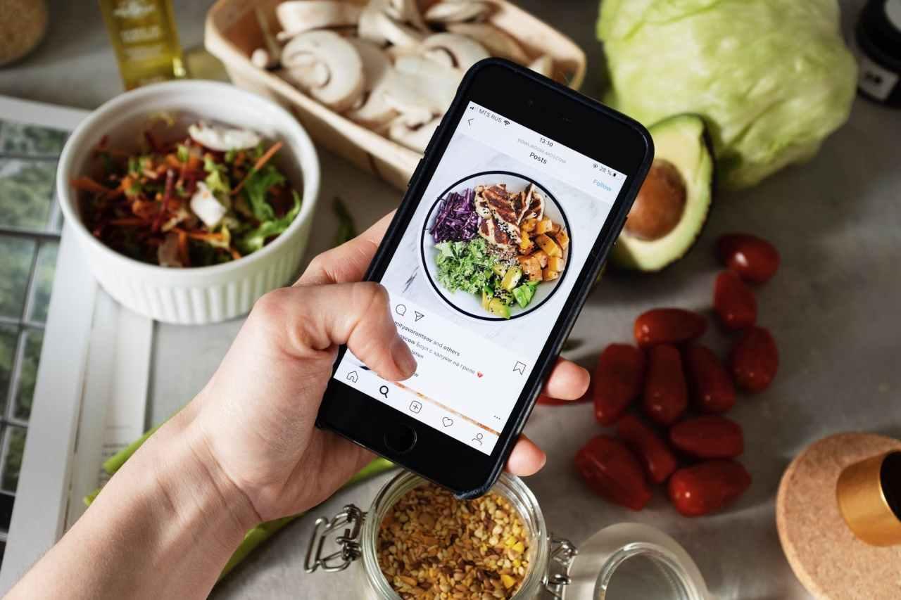 Πώς να βγάζεις τέλειες φωτογραφίες με φαγητό για το Instagramσου!