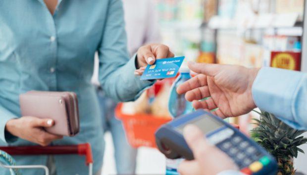 Το Πρώτο Σούπερ Μάρκετ Στον Κόσμο Χωρίς Κανένα Ταμείο ΜόλιςΆνοιξε!