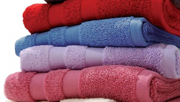 Πόσες φορές μπορούμε να χρησιμοποιήσουμε την πετσέτα μπάνιου πριν τηνπλύνουμε