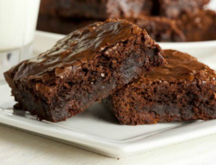 Γλυκό χωρίς αμαρτία: Υπέροχο νηστίσιμο brownie μεταχίνι!