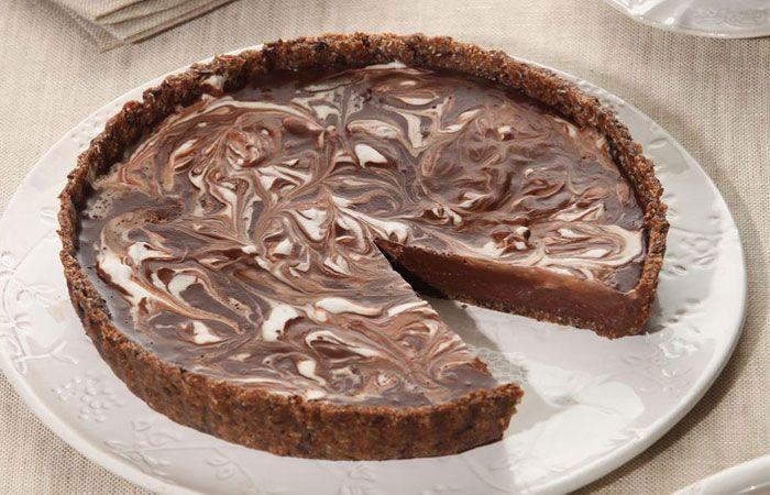 Νηστήσιμη τάρτα μαύρης σοκολάτας μεκαρύδα