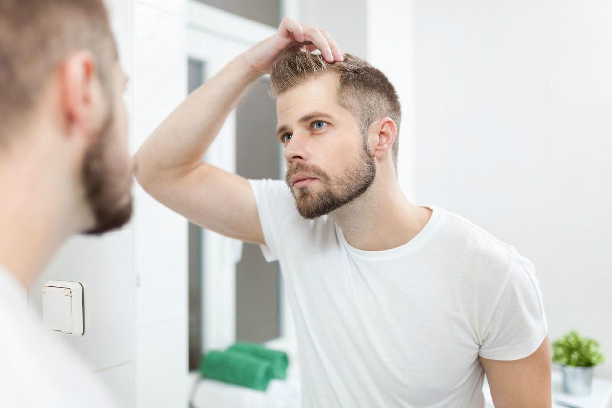 Τι να κάνεις για να δείχνουν τα μαλλιά σου πιο πυκνά καιδυνατά