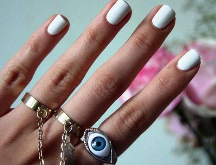 Spring manicure: Οδηγός για την απόχρωση του καλοκαιριού που θα μονοπωλήσει το ενδιαφέρονσου!