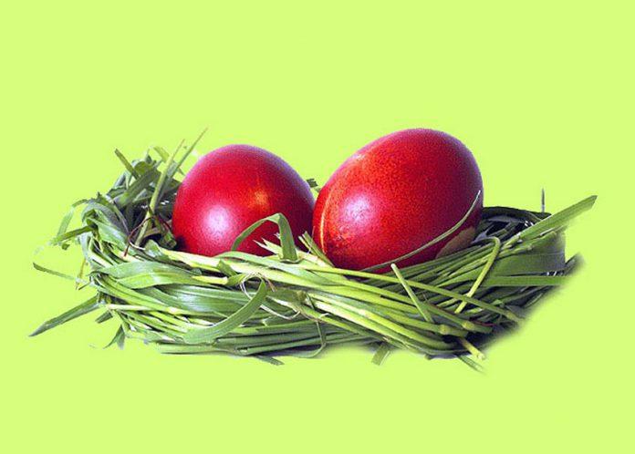 Πώς έφτασαν τα κόκκινα αβγά στο πασχαλινό μαςτραπέζι;