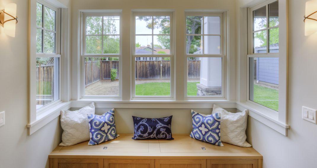 Γιατί πρέπει να ψεκάζεις τα παράθυρά σου με λευκό ξύδι -Το απίστευτο τρικ που θα σεσώσει