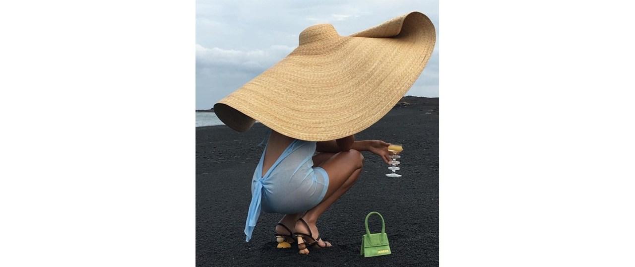 Οι μικροσκοπικές τσάντες είναι η πιο hot τάση τηςσεζόν