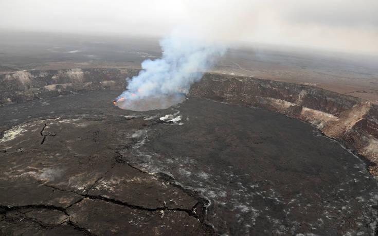 Νέες ρωγμές σχηματίστηκαν στο έδαφος από το ηφαίστειοΚιλαουέα
