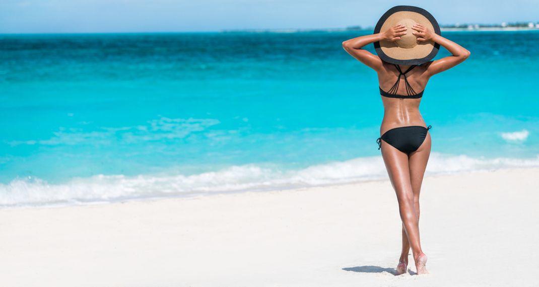 Έτοιμη για παραλία; Πόσο καιρό άσκησης και διατροφής χρειαζόμαστε για να δούμε διαφορά στο σώμαμας