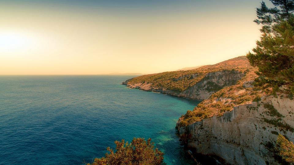 Που να πας διακοπές το καλοκαίρι ανάλογα με το ζώδιοσου!