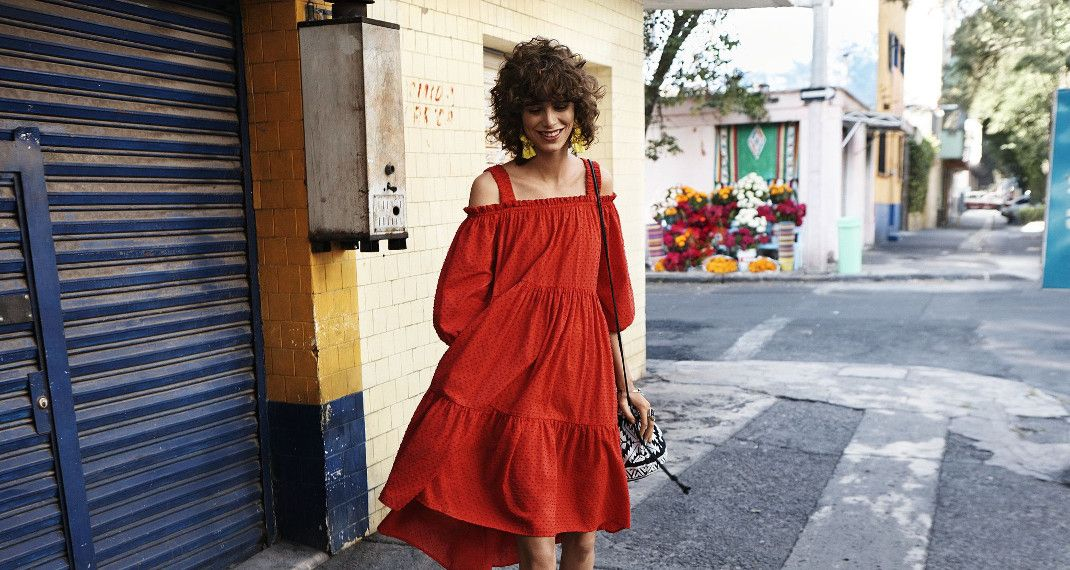 Aυτό το φόρεμα από τα H&M είναι ιδανικό για τους γάμους της σεζόν αλλά και για όλο τοκαλοκαίρι