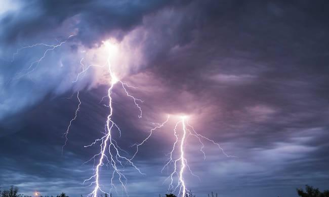 Καιρός: Ραγδαία επιδείνωση τις επόμενες ώρες – Ποιες περιοχές θα «χτυπήσει» ηκακοκαιρία