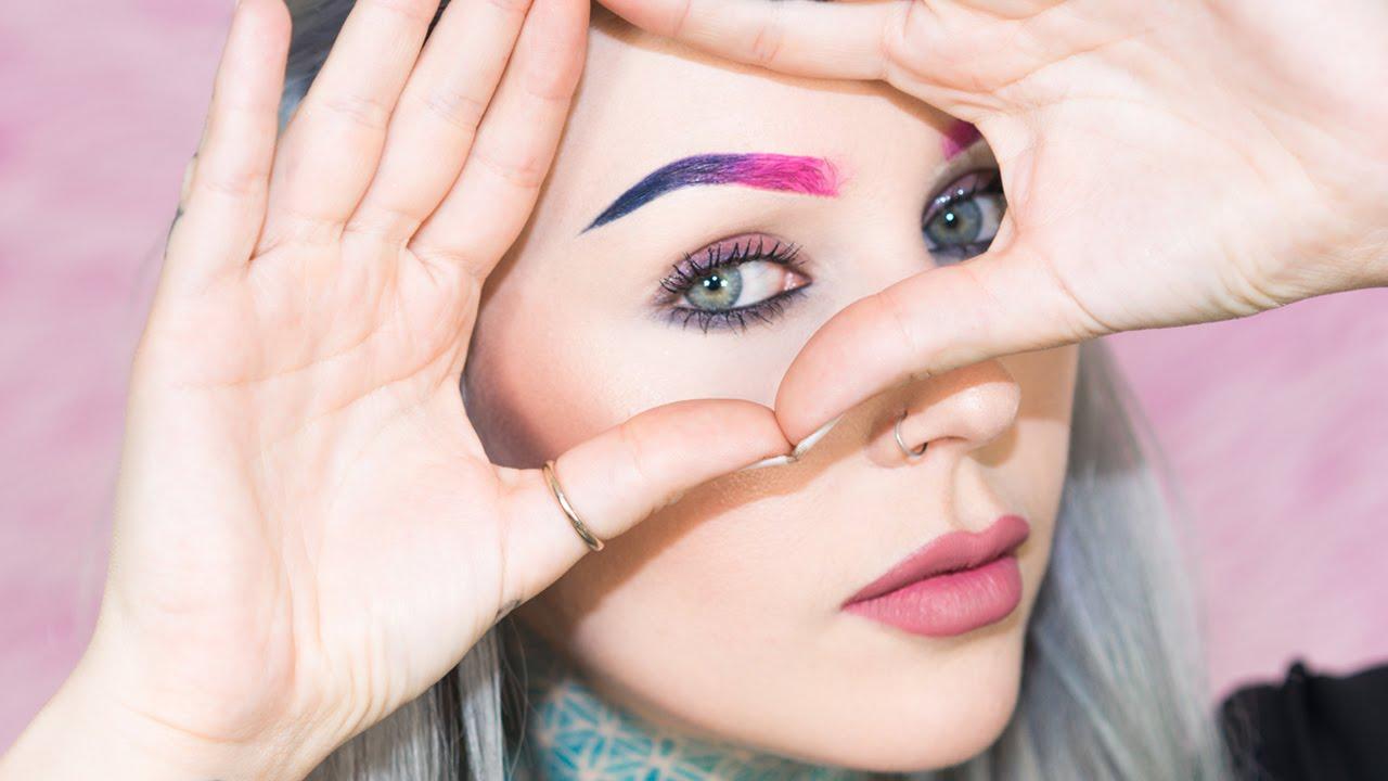 Χρωματιστή μάσκαρα φρυδιών για τιςτολμηρές!