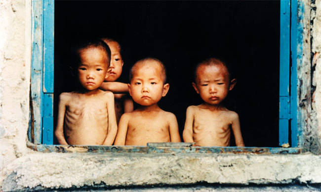 Ανθρωπιστικό δράμα στη Βόρεια Κορέα: 25 εκατ. άνθρωποι βρίσκονται «ένα βήμα πριν τονλιμό»