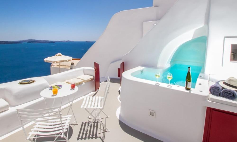 Διακοπές στην Ελλάδα σε σπίτια με εκπληκτική θέα και πισίνα, από 25ευρώ!