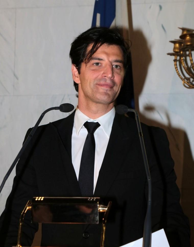 Και πολιτικός ο Σάκης Ρουβάς – Μάθετε με ποιο κόμμα κατεβαίνει στις επόμενεςεκλογές