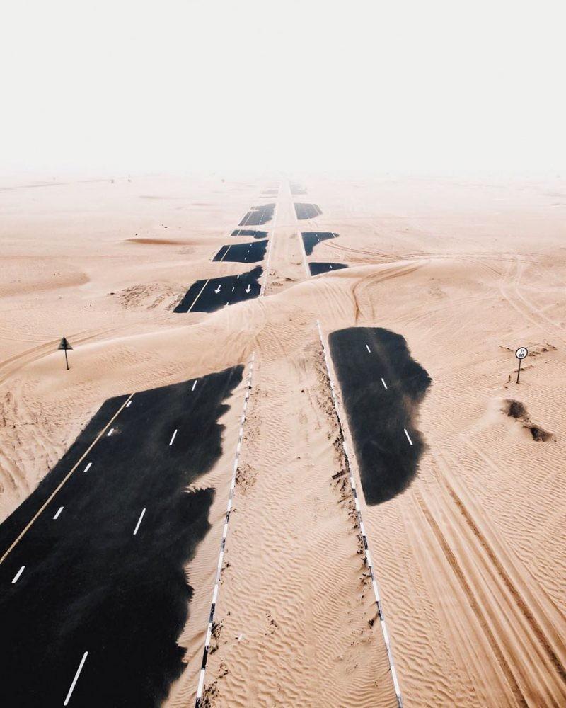 Η άμμος στο Ντουμπάι εξαφανίζει…δρόμους!