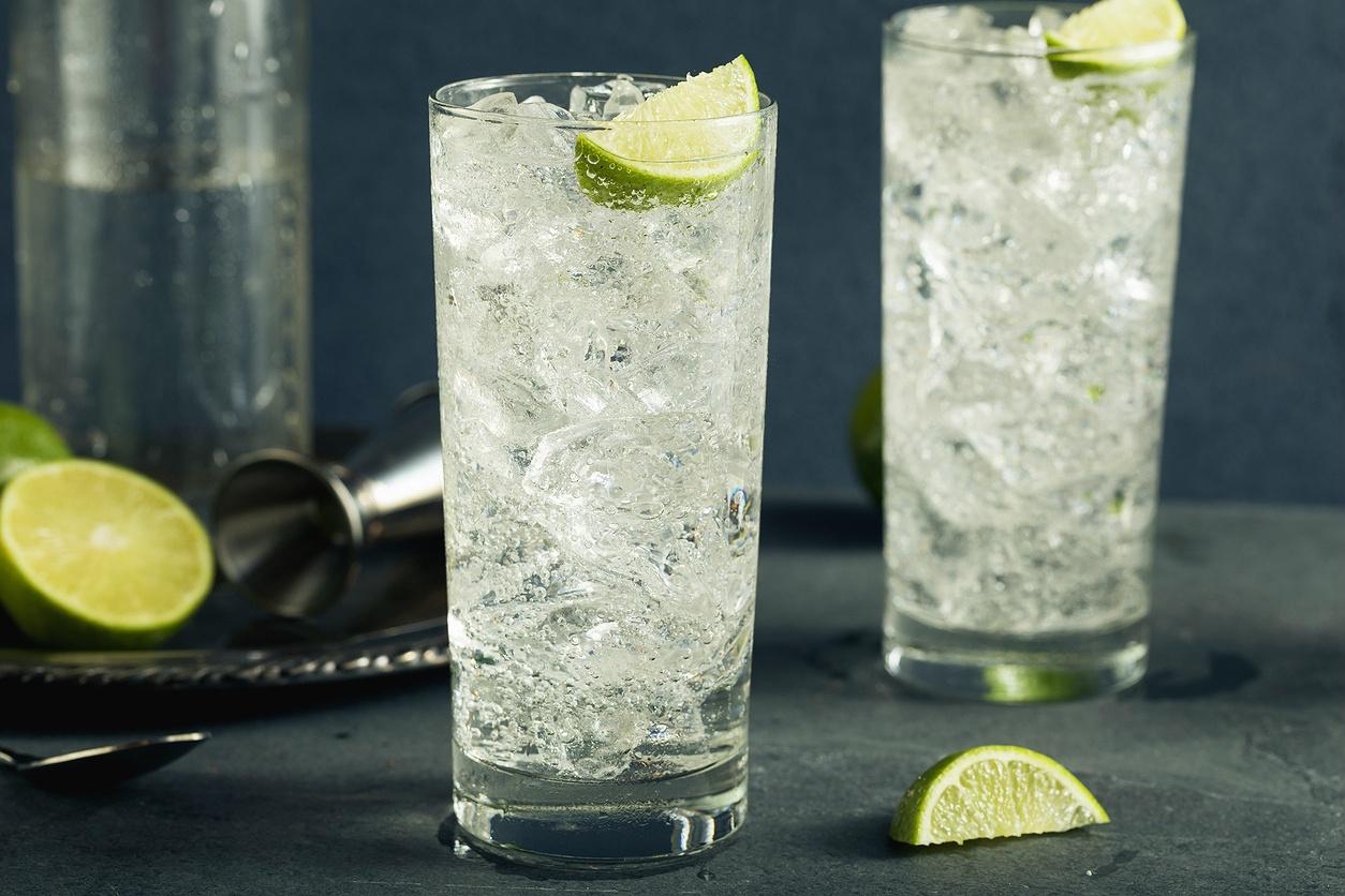 Γυναίκα 100 ετών υποστηρίζει ότι το gin tonic είναι το μυστικό της μακροζωίαςτης