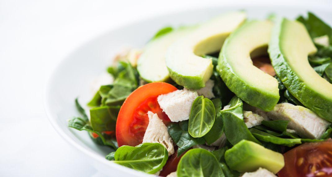 Αυτή η αποτοξινωτική σαλάτα έχει κατακτήσει το Internet -Η πανεύκολησυνταγή