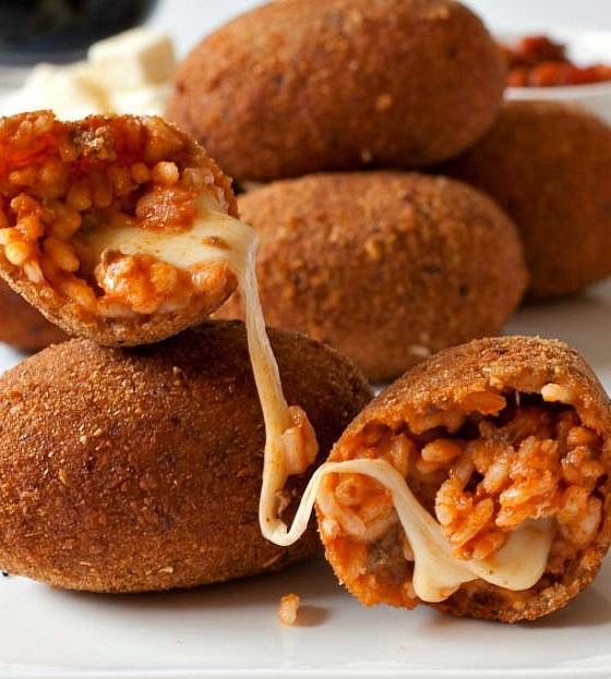 Suppli' – Τραγανά κεφτεδάκια ρυζιού γεμιστά μεmozzarella