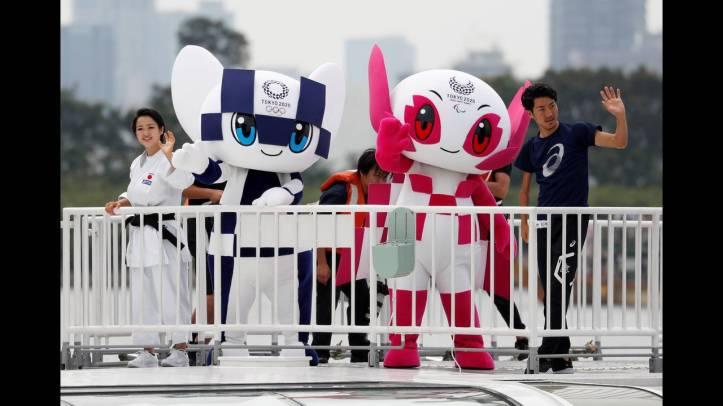 2018-07-22T062044Z_969415470_RC11D1A30EC0_RTRMADP_3_OLYMPICS-TOKYO-MASCOTS.JPG