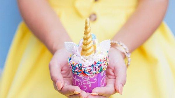 Στην Disneyland σερβίρουν τα πιο μαγικάcupcakes!