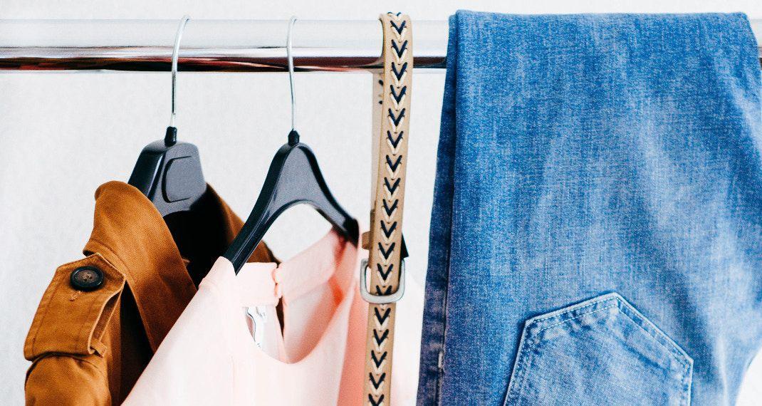 Τα τρία λάθη στο πλύσιμο που καταστρέφουν τα ρούχα σου μετά από λίγοκαιρό