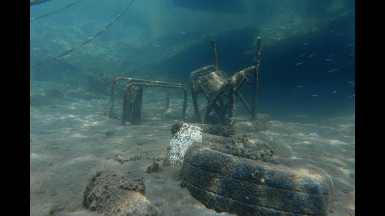 Μια… θάλασσα από σκουπίδια: Τα «ένοχα μυστικά» του βυθού σε τρία ελληνικάνησιά