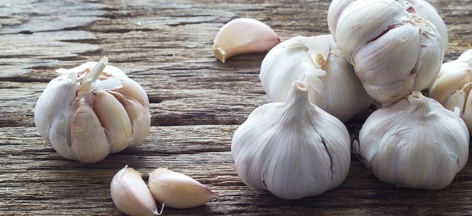 Τι προσφέρει το σκόρδο στο δέρμα (και γι΄ αυτό τώρα θα το αγαπήσεις)!