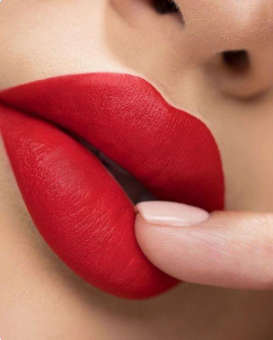 Θέλετε σαρκώδη χείλη χωρίς πλαστική?