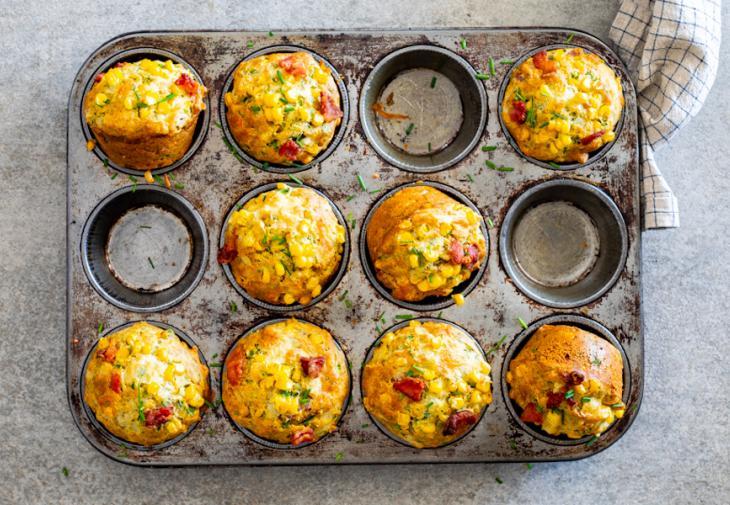 Muffins με μπέικον καικαλαμπόκι