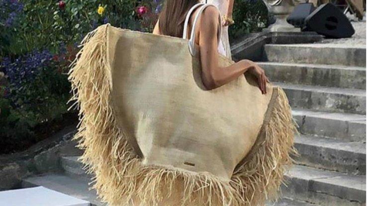 Αυτή είναι η νέα it bag και είναι δημιουργία του ταλαντούχου σχεδιαστή, Simon PorteJacquemus