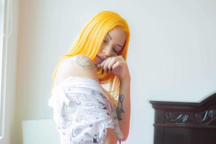 kitrina-mallia-genz-yellow-hair-trend-10