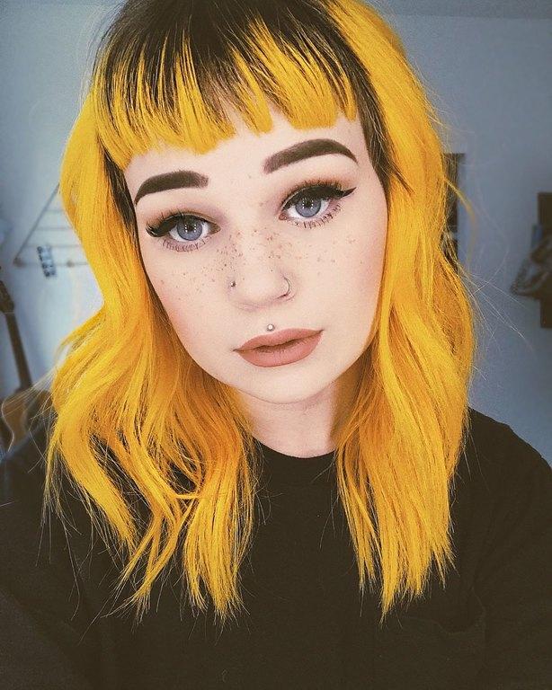 kitrina-mallia-genz-yellow-hair-trend-2.jpg
